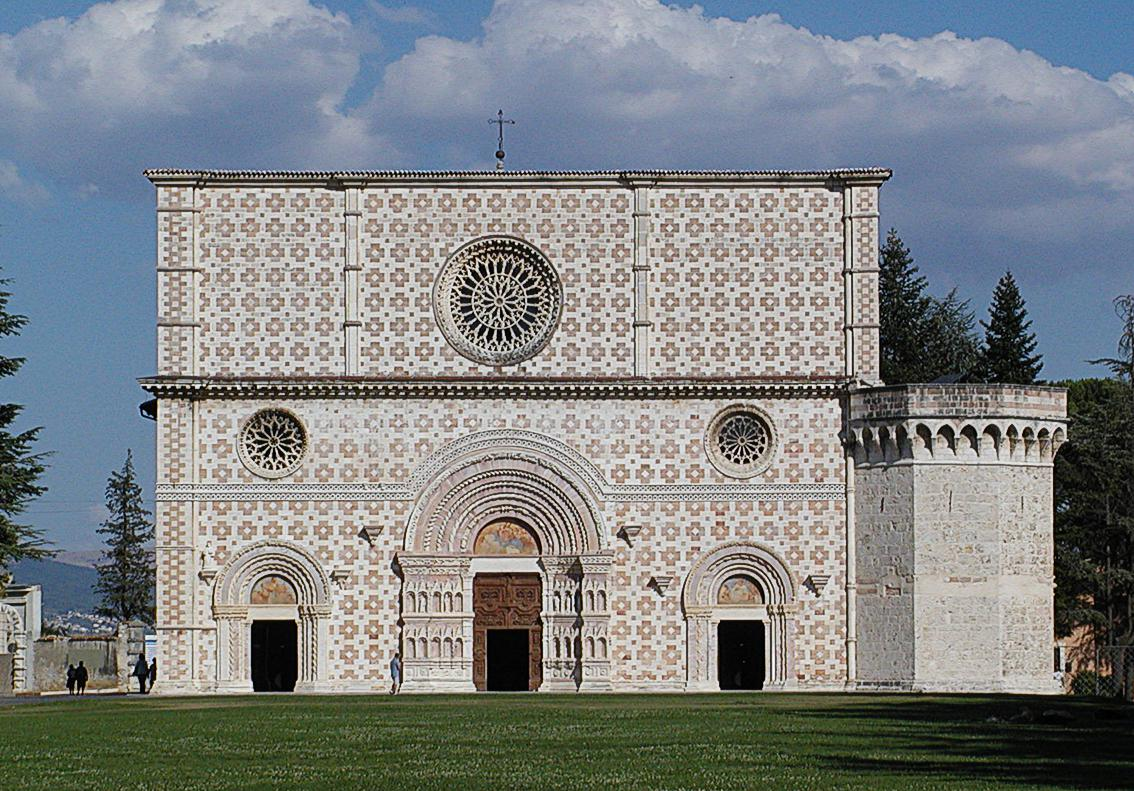 B&B L'Aquila del Parco - L'Aquila, basilica di Collemaggio